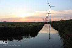 Sommerabend in Holland 2.. by dirkwiemann  Holland Provinz Groningen Reflexion Sonnenuntergang Windenergie Windkraft Windmühlen dirkwiemann