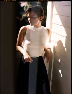 Lauren Cohan, photographed by James Wright & Toby Knott for So It Goes, November 2016 Lauren Cohan, Hot Actresses, Beautiful Actresses, The Walking Dead, Best Fashion Magazines, Maggie Greene, Babe, Pixie Hairstyles, Famous Women