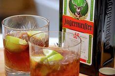 Brandbil drink med Jägermeister og rød sodavand via Goats Cheese Flatbread, Rolled Roast, Curly Fries, Chicken Bacon Ranch, Vegan Appetizers, Roasted Garlic, Roasted Vegetables, Punch Bowls, Gin