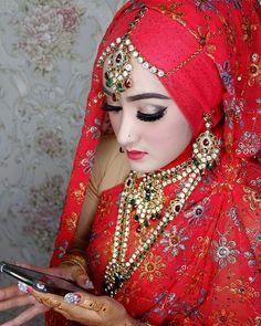 Jauh dimata dekat dihatilah pokoknya 😋😋😋 Arabic Makeup, Wedding Inspiration, Hair Beauty, Bride, Instagram, Fashion, Arabian Makeup, Wedding Bride, Moda