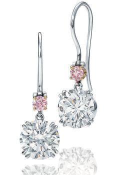 harry winston olivia munn diamond drop earrings—aren't these just so pretty?