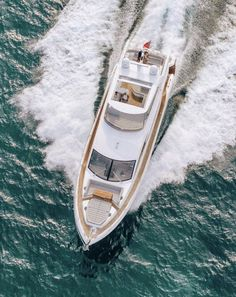 #yachtlife #travelgoals #yacht Online Fashion Boutique, Travel Goals, Saints, Boat, Clothes For Women, Shopping, Style, Outerwear Women, Swag
