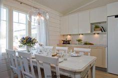 Metkula - keittiö ja ruokapöytä | Asuntomessut