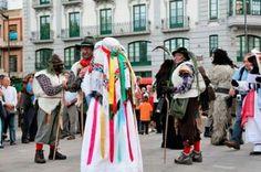 Una decena de mascaradas de la provincia viajan a Italia con el Patronato de Turismo. Más información en http://www.turismoenzamora.es/index.php/es/component/content/article/6-destacados/1691-una-decena-de-mascaradas-de-la-provincia-viajan-a-italia-con-el-patronato-de-turismo