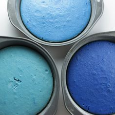 This Blue Ombre Cake from Pillsbury Baking is easy to make with just a few drops of food coloring! Try this impressive dessert recipe for your next party. Ombre Cake, White Velvet Cakes, Velvet Cupcakes, Blue Cakes, Blue Food, Blue Ombre, Cake Batter, Love Cake, Shower Cakes
