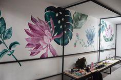 🌸🍃 MURAL BOTÁNICO 🍃🌸 @schock_ba 💫 @candelariamedrano 📷 gracias!!! . . . . . . #mural #muralart #murales #muralartist #botanic #botanical… Mural Art, Instagram, Artist, Home Decor, Wall Art, Murals, Walk In Closet, Thanks, Decoration Home