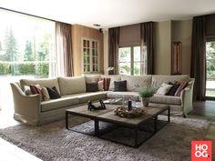 Modern landelijk interieur met open haard | woonkamer ideeën | living room decor ideas | luxury living room | Hoog.design
