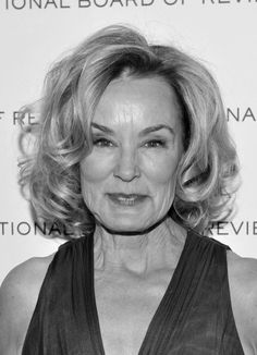 Jessica Lange Also why I would never do cheek implants. Cheek Implants, Women Lifting, Bouncy Curls, Diane Lane, Ageless Beauty, Celebrity Babies, Aging Gracefully, Celebs, Celebrities