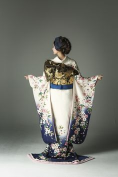 Wedding Kimono, Wedding Dresses, Kimono Japan, Anime Japan, Japanese Outfits, Yukata, Character Outfits, Kimono Fashion, Traditional Dresses