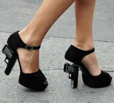 Sapatos de mqueen | 20 modelos de sapatos mais extravagantes, ousados e estranhos...