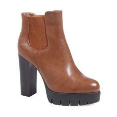 Bottines chelsea crantées #bottines #chelsea #rantées #talons #heels #shoes #lamodeuse www.lamodeuse.com
