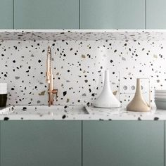 Can You Handle This Trend? - Terrazo - In case you didn't notice, the 'terrazzo' design trend is making a huge comeback this year, and we are already in love wi Interior Desing, Home Design, Room Interior, Interior Design Living Room, Modern Interior, Interior Painting, Modern Luxury, Interior Styling, Interior Architecture
