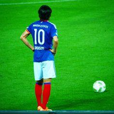 #fmarinos #中村俊輔 #shunsukenakamura #jleague #ウルトラレフティー #ゴール前でなかなかフリーキック蹴れない ゴール前でフリーキックが見たい by tom_kazu