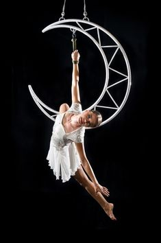 Aerial moon with chain Aerial Acrobatics, Aerial Dance, Aerial Hoop, Aerial Arts, Aerial Silks, Aerial Gymnastics, Acrobatic Gymnastics, Circus Photography, Aerial Photography