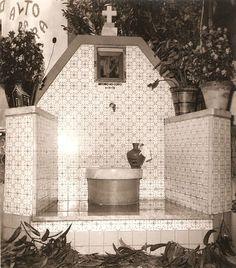 Imagem antiga de 1972 em que se inaugura a Fonte do António do Coito. De notar que a bilha usada para levar a primeira água da fonte ainda existe e encontra-se exposta na Casa da Muda - Rio Maior | Portugal