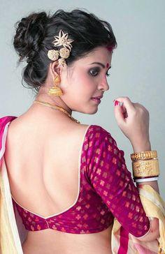 Stunning Back Neck Designs For Sari Blouse - Indian Fashion Ideas Blouse Back Neck Designs, Sari Blouse Designs, Designer Blouse Patterns, Fancy Blouse Designs, Saree Blouse Patterns, Stylish Blouse Design, Beautiful Blouses, Beautiful Women, Beautiful Saree