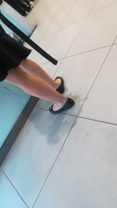 Ballerina Shoes, Ballet Flats, Fashion Photography Inspiration, Bus Station, Toilets, Beautiful Legs, Sexy Feet, Me As A Girlfriend, Character Shoes