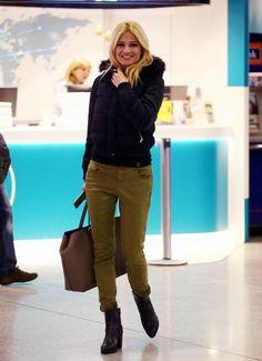 Φαίη Σκορδά: Με τέλειο χακί παντελόνι