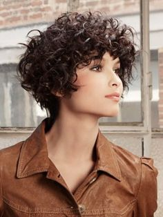 coupe cheveux carre court boucle