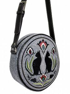 Okrągła torebka z filcu GOSHICO z haftowanym wzorem i skórzanym pasem http://torebki.pl/okragla-torebka-z-filcu-goshico-z-haftowanym-wzorem-i-skorzanym-pasem.html