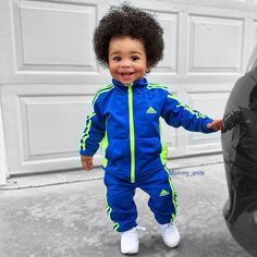 7 African American Kids Hairstyles for present-day that make your toddler more cute, catchy and fascinating look. New-fashioned braids, bun, curly & more for your new age kids. Cute Baby Names, Cute Baby Boy, Cute Baby Clothes, Cute Kids, Cute Babies, Baby Boys, Black Kids Fashion, Little Kid Fashion, Baby Boy Fashion