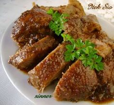 Itek Sio is a Peranakan braised duck in tamarind and coriander gravy. Cooking duck can be time consuming but using a pressure cooker can red...