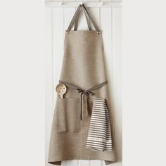 Another cute linen apron. I like the crisscross back.