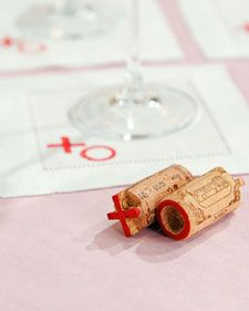 Stamped Valentine's Day Cocktail Napkins How-To Craft a homemade stamp using any wine cork, then use it to add some Valentine's Day flair to a plain cocktail napkin. Valentines Bricolage, Valentine Day Crafts, Be My Valentine, Valentine Ideas, Wine Craft, Wine Cork Crafts, Do It Yourself Wedding, Do It Yourself Crafts, Diy Stamp