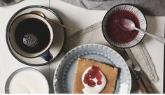 Ketopannukakku Baking, Tableware, Kitchen, Eggs, Dinnerware, Cooking, Bakken, Tablewares, Kitchens