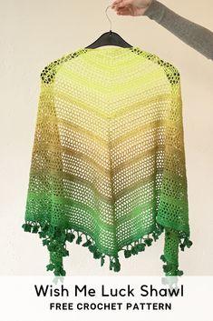 Wish Me Luck Shawl - crochet shamrock shawl - free crochet pattern Crochet Triangle, Double Crochet, Easy Crochet, Free Crochet, Knit Crochet, Crochet Shawls And Wraps, Crochet Scarves, Crochet Clothes, Shawl Patterns