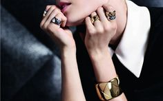Zum ersten Mal überhaupt ist eine Schmuck-Kollektion von Chanel online erhältlich. Aber: Das Online-Angebot gilt nur für kurze Zeit!