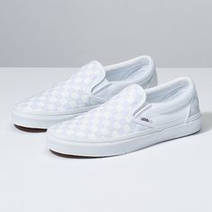 Women shoes Pumps Low Heels - Women shoes For Summer Jimmy Choo - - Women shoes Wedges Work Outfits Sneakers Mode, Slip On Sneakers, Sneakers Fashion, Fashion Shoes, White Sneakers, White Slip On Vans, Golf Fashion, Platform Sneakers, Fashion Fall