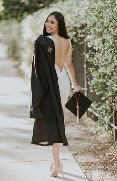 Cap And Gown Senior Pictures Senior Pics Nursing Graduation Pictures, Graduation Picture Poses, College Graduation Pictures, Graduation Portraits, Graduation Photoshoot, Graduation Photography, Graduation Outfits, Grad Pics, Grad Pictures