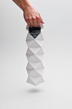 Quartz Champagne (Student Project) Quartz Champagne (Student Project) on Packaging of the World – Creative Package Design Gallery