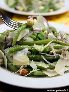 Variations Gourmandes: Salade d'haricots verts tièdes, oignon rouge, parmesan, noisettes et basilic