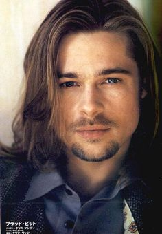 Probably the one and only picture I actually find Brad Pitt attractive in, to be honest. Brad Pitt Haarschnitt, Brad Pitt Pictures, Brad Pitt Haircut, Brad Pitt And Angelina Jolie, Long Beards, Le Jolie, Raining Men, Haircuts For Men, Men's Haircuts