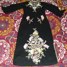 SIMPLY DIVINE VINTAGE KASHMIRI HAND EMBROIDERED by becocooned, $178.00
