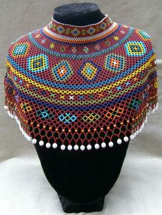 See 4544 photos and 230 tips from 46281 visitors to Puebla de Zaragoza. African Beads Necklace, African Jewelry, Bead Jewellery, Beaded Jewelry, African Traditional Dresses, Beaded Collar, Neck Piece, Beads And Wire, Bead Weaving