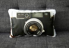vintage camera inspired pillows... I NEED THIS!!! = ) please!