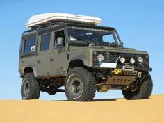 Nice style of life. Defender Camper, Land Rover Defender 110, Landrover Camper, Vw Camper, Off Road Tires, 4x4 Off Road, Bug Out Vehicle, Cars Land, Off Road Adventure