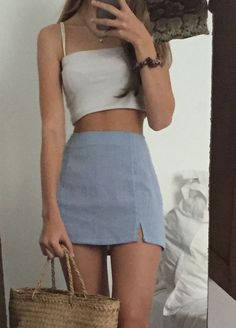 Grey mini skirt and taupe top - style - Fashion Outfits Teen Fashion Outfits, Mode Outfits, Retro Outfits, Look Fashion, 90s Fashion, Girl Outfits, Spring Fashion, Fashion Trends, Short Outfits