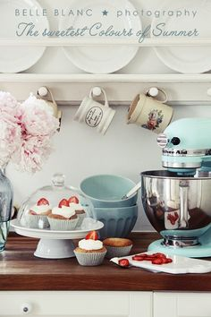 00oo00hh how I want you so bad Kitchen Aid mixer...and you are oh so pretty in Ice Blue...sighhhh