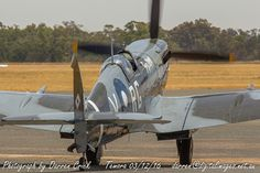 Temora's #Spitfire A58-758 / VH-HET moves out to start its display 03/12/16. #avgeek #aviation #photography #canon #Airshow Canon Australia