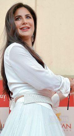 Bollywood Actors, Bollywood Celebrities, Beautiful Bollywood Actress, Beautiful Actresses, Muslim Fashion, Indian Fashion, Katrina Kaif Bikini Photo, Katrina Kaif Images, Indian Models