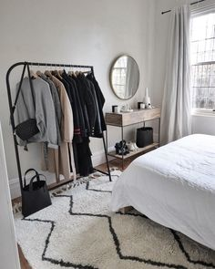 50 minimalist bedrooms with cheap furniture that you can reach 48 Room Decor Bedroom Bedrooms Cheap Furniture minimalist reach Room Ideas Bedroom, Bedroom Inspo, Home Bedroom, Bedroom Apartment, Small Bedroom Inspiration, Bedroom Mirrors, Bedroom Sets, Master Bedroom, Room Interior