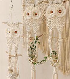 Work of color_rope_macrame . Macrame Wall Hanging Diy, Macrame Plant Holder, Macrame Curtain, Macrame Plant Hangers, Macrame Owl, Macrame Knots, Micro Macrame, Macrame Thread, Art Macramé