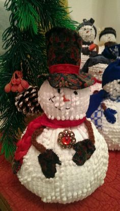 Handmade Vintage White Chenille Hobnail Bedspread Snowman Christmas Decoration