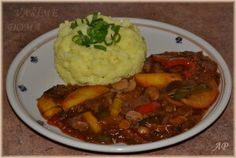 Slovak Recipes, Pot Roast, Stew, Ham, Mashed Potatoes, Food And Drink, Homemade, Ethnic Recipes, Red Peppers