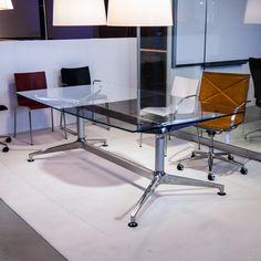 tila-tuote-30 Showroom, Conference Room, Desk, Table, Furniture, Home Decor, Desktop, Decoration Home, Room Decor