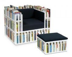 Sedia e tavolino porta libri, un modo alternativo di concepire la propria libreria